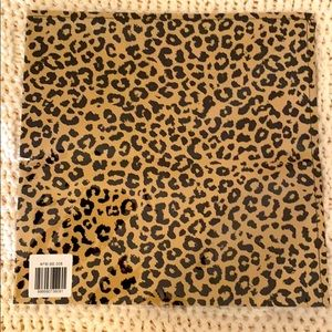 ☀️NWT Cheetah Bandana